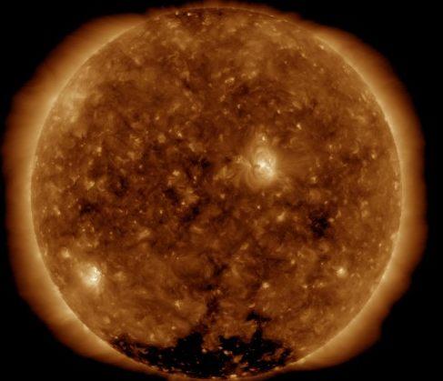 今思えば犬が地震で鳴いたのか、太陽フレアで鳴いたのか・・・