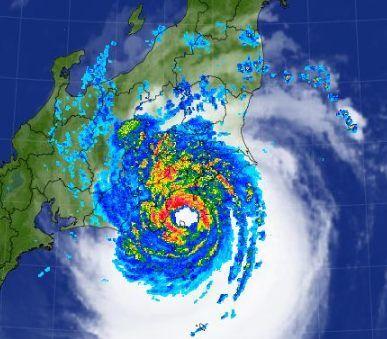 台風で屋根が飛ぶ被害に対して何を備えろと言うのか?